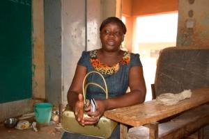 Nina Ouali Ouédraogo, Enseignante de la classe de CM2  à l'école Saaba 2